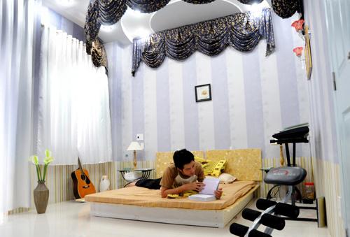 Ngó nghiêng nhà đẹp của Nguyễn Phi Hùng 11