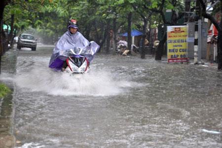 Hôm nay, Hà Nội vẫn có mưa to, gió giật 1