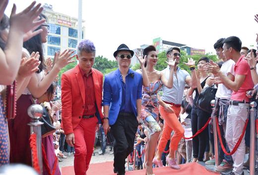 Đỗ Mạnh Cường nổi bần bật khi diện quần váy casting ở Hà Nội 5