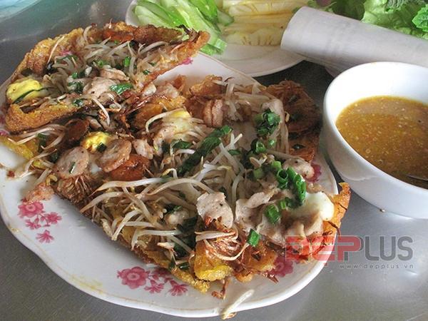Ăn đồ Huế bình dân phố Nguyễn Phong Sắc 7