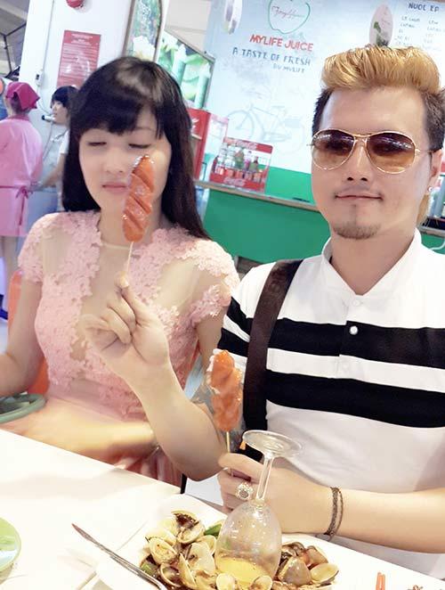 Lộ ảnh thân mật của hoa hậu Triệu Thị Hà và cháu trai quý bà Kim Hồng 5