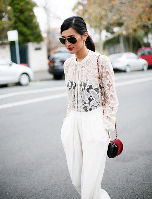 Phối đồ nổi bật cùng 4 kiểu quần trắng phổ biến cho nàng công sở 10